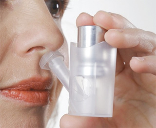 Nasal drug delivery device